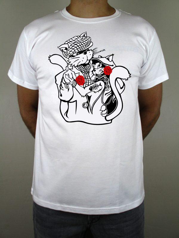 Camiseta blanca Chulapo para madrileños. Una camiseta que representa el baile típico de Madrid, el chotis. Una camiseta 100% española y con mucho sentimiento. Calidad inmejorable.